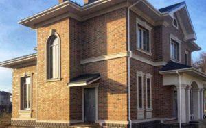 Двухэтажный коттедж в немецком стиле