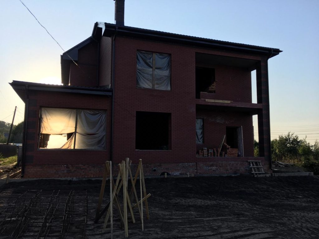Строительство двухэтажного кирпичного дома